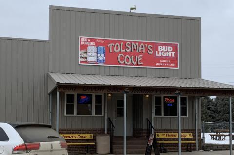 SUNDAY DINNER OFFERED AT TOLSMA'S COVE