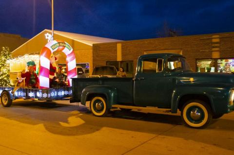 WAGNER PARADE OF LIGHTS FILLS MAIN STREET