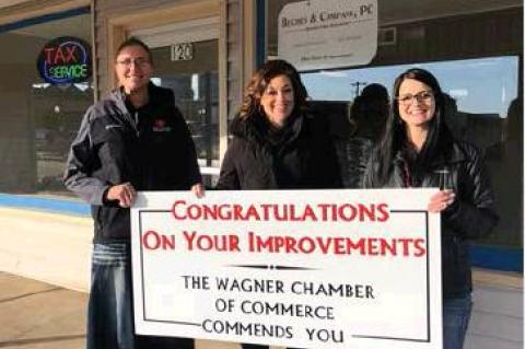 CHAMBER CELEBRATES RELOCATION