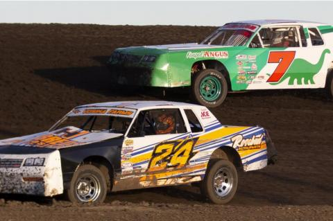 BIG CROWD FOR SEASON OPENER AT WAGNER SPEEDWAY