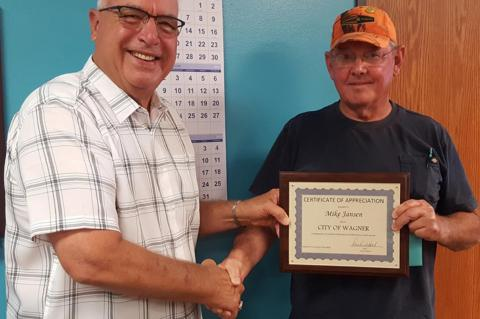 WAGER CITY RECOGNIZES RETIRING EMPLOYEES
