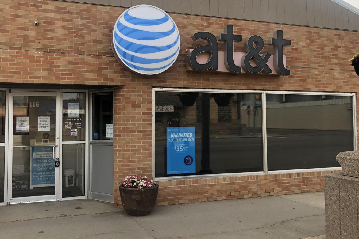 WAGNER AT&T STORE TO CLOSE