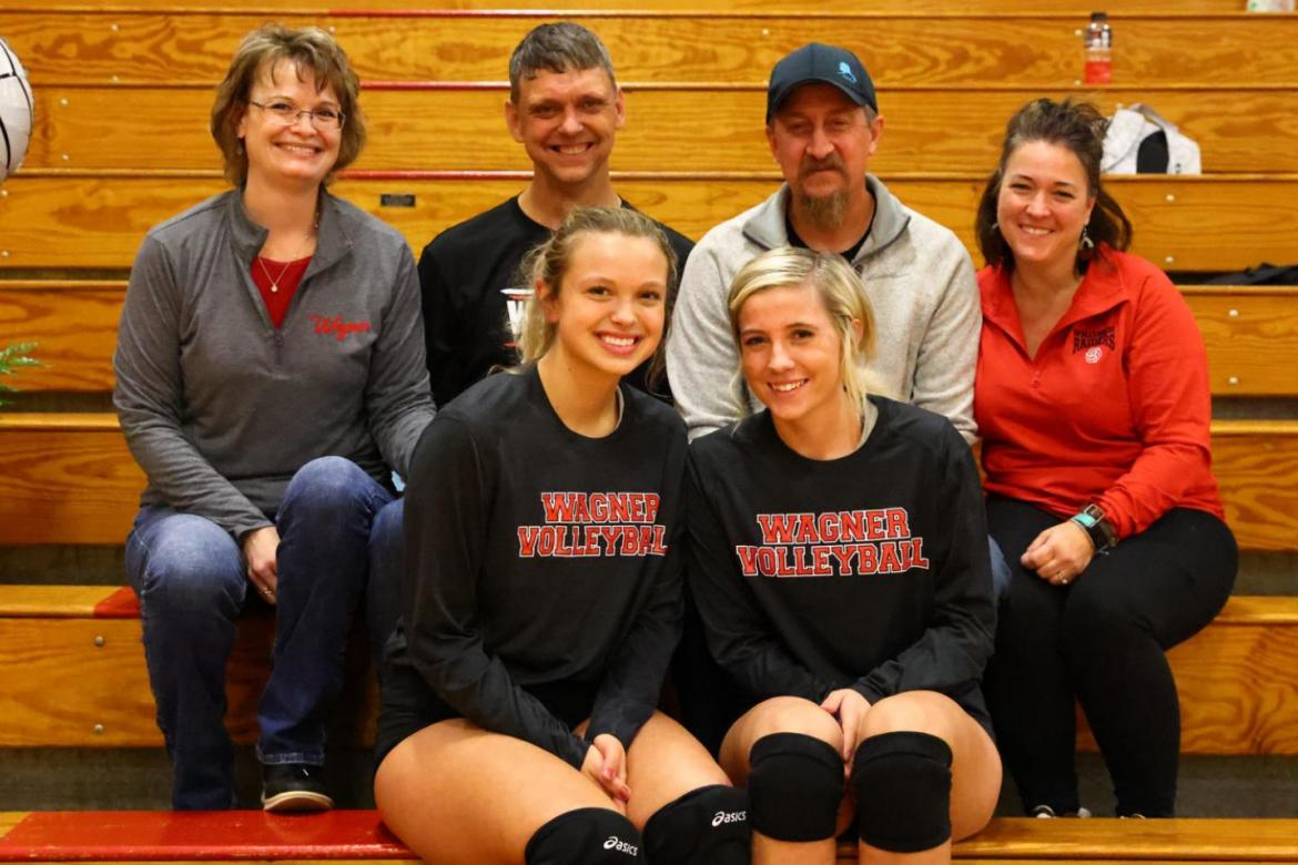 WAGNER SENIORS HONOR THEIR PARENTS