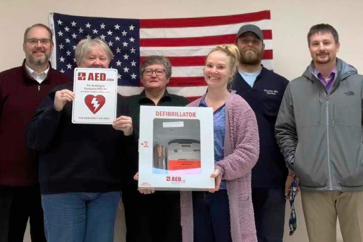 LAKE ANDES COMMUNITY BUILDING BOARD RECEIVES AED